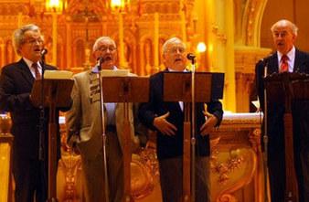 Les abbés Léonce Gosselin, Roger Fortin, Paul Côté et Roger Bédard