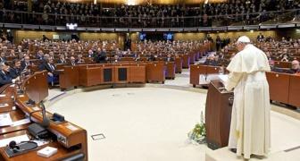 Le pape François s'adressant au Conseil de l'Europe à Strasbourg le 25 novembre 2014 (Crédits photo AFP)