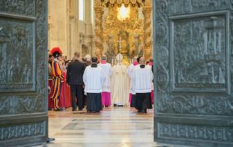 Crédits photo :   ANDREAS SOLARO/AFP Le pape vient de présenter la bulle « Misericordiae vultus »
