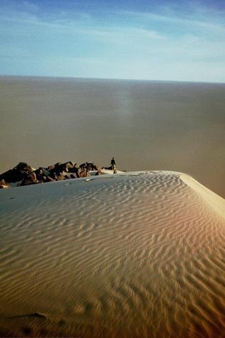 Le déset de Tamanrasset au Sahara en Algérie.