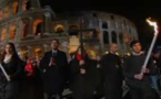 """La prière du pape François """"O Croix du Christ"""" lors du Chemin de Croix au Colisée de Rome en 2016"""