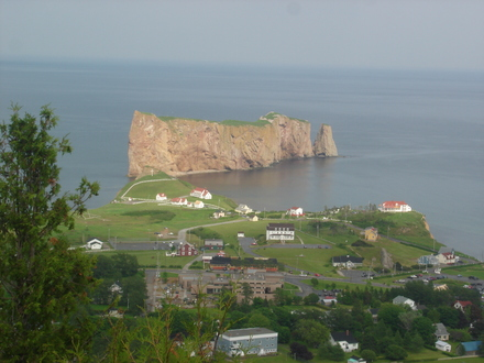 Percé vu du Mont Ste-Anne (Photo Hermann Giguère)