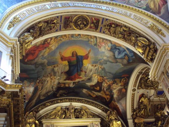 Cathédrale Saint-Isaac de Saint-Pétersbourg. Construite entre 1818 et 1858, elle peut contenir 14, 000 personnes. Elle est la troisième cathédrale d'Europe après la basilique Saint-Pierre et la cathédrale Saint-Paul de Londres.  (Crédits photo : H. Giguère)