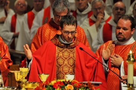 L'abbé Félix Roberge lors de son ordination presbytérale le 20 mai 2011