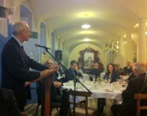 Le Supérieur général du Séminaire de Québec, monsieur le chanoine Jacques Roberge, s'adressant aux personnes invitées. (Photo H. Giguère)