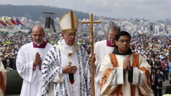 Messe présidée par le pape François au parc du Bicentenaire à  Quito, Équateur, le 7 juillet 2015 (Photo Sel + Lumière)