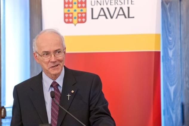 """Monsieur le chanoine Jacques Roberge, supérieur général, lors du colloque tenu à l'Université Laval sur l'histoire du Séminaire de Québec intitulé """"Parce qu'ils ont cru, ils ont fait"""" en mai 2013 (Photo H. Giguère)"""
