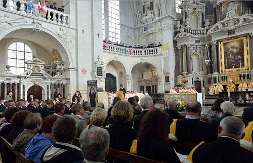 Vue d'ensemble : Célébration en l'honneur de saint François de Laval le 8 octobre 2014 au Prytanée militaire de La Flèche, autrefois le Collège de La Flèche. (Crédits photo : Daniel Abel)