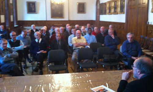 L'assemblée des prêtres du Séminaire de Québec lors du ressourcement du 31 octobre 2014 (Crédit photo H. Giguère)