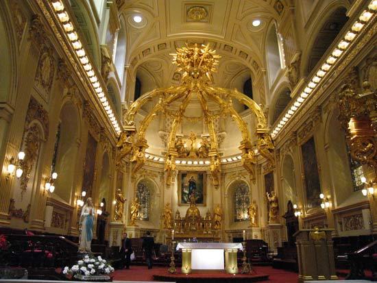 Photo de la cathédrale qui est aussi l'église paroissiale Notre-Dame de Québec (Crédits photo H.Giguère)
