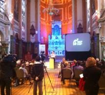 Conférence de presse pour annoncer le spectacle d'Olivier Dufour LUMIÈRES dans la Cour du Séminaire de Québec en juillet 2013 pour le 350e anniversaire de la fondation du Séminaire de Québec
