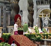 Lettre du cardinal Parolin au cardinal Lacroix  : remerciements du Saint Père et souhaits
