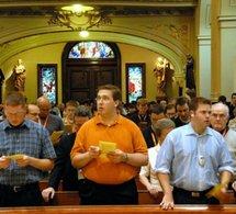 Aux séminaristes lors du 49e Congrès eucharistique international à Québec: 'Quod isti et istae, cur non ego?' Les saints et saintes, bienheureux et bienheureuses, des modèles?