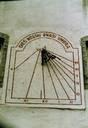 Cadran solaire dans la Cour du Vieux-Séminaire