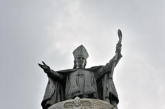 Monseigneur de Laval (monument été 2011 par Daniel Abel)