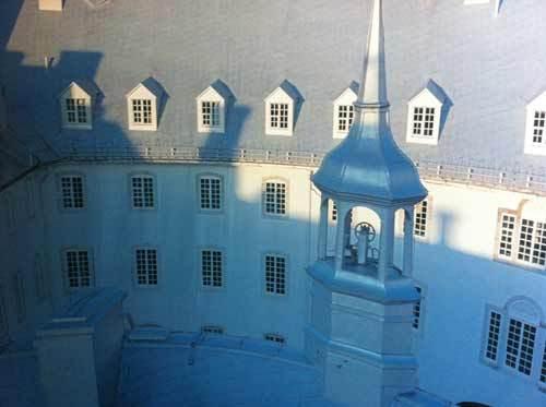 Le clocheton de l'Aile de la Procure du Vieux-Séminaire de Québec choisi comme emblême des fêtes du 350e du SME © Luc-Antoine Couturier