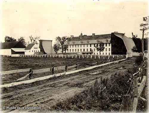 Le domaine de Maizerets au début du 20e siècle (Le Domaine Maizerets, Québec, 1923 Musée de la civilisation, fonds d'archives du Séminaire de Québec, Ph1996-0258)