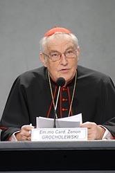 Cardianl Zenon Grocholewski, préfet de la Congrégation pour l'éducation chrétienne