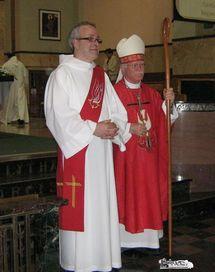 Le nouveau diacre, l`abbé  Guy Bossé, est présenté à l`assistance par Mgr Martin Veillette, évêque de Trois-Rivières