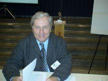 Photo de l`abbé Gilles Nadeau lors d`une intervention au 28e Congrès de Carrefour Humanisation-Santé le 21 novembre 2008.