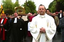Mgr Bélanger lors du Pardon de St-Yves à Tréguier en 2007