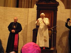 La Saint-Père saluant les congressistes avant de s`adresser à eux