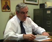 L`abbé Michel Fournier lisant sa lettre au Curé d`Ars