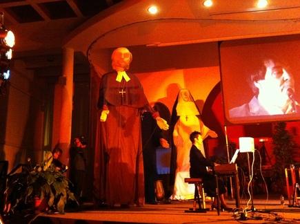 Les marionnettes géantes de François de Laval et Catherine de Saint Augustin