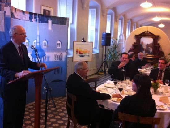 Monsieur le chanoine Jacques Roberge lors de son allocution à la réception des autorités de la Ville de Québec le 17 avril 2013
