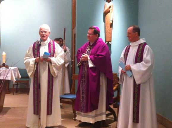 Mgr Lacroix, le chanoine Roberge et l'abbé Michel Poitras