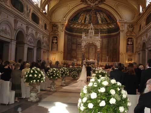 Un mariage à l'église Ste-Cécile-du-Trastevere à Rome (Photo H.Giguère)