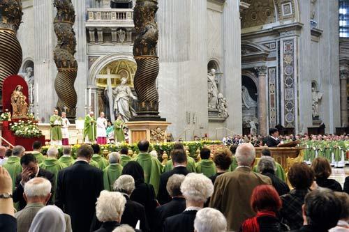 Messe d'action de grâces pour la canonisation de François de Laval et Marie de l'Incarnation à la basilique saint Pierre de Rome le 12 octobre 2014 (crédits photo Daniel Abel)