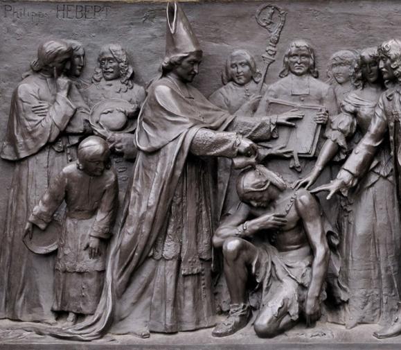 Baptême du chef Garakonthié par Mgr de Laval en 1668 - Détail de la base du monument de Mgr de Laval sur la Côte de la Montagne à Québec  (Crédits photo Daniel Abel)