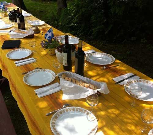 Table d'hier...et table d'ajourd'hui (Crédits photo : H. Giguère)