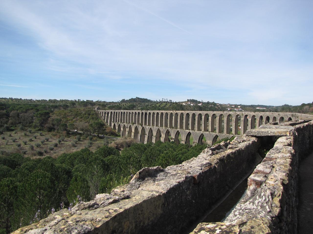 Aqueduc Vieux Tomar au Portugal (Photo libre de droits)