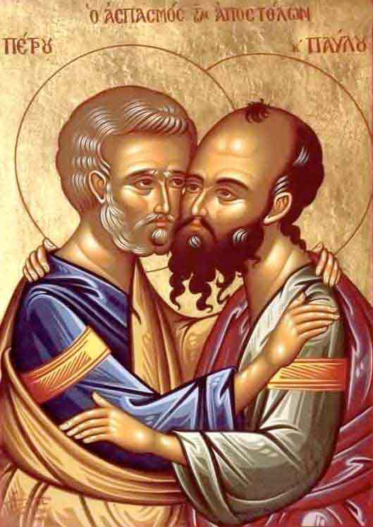 """Icône très expressive des saints Pierre et Paul qu'on ne peut séparer comme colonnes de l'Église. Inscription en grec : """"o aspasmos ton apostolon"""" qui signifie """"la salutation des apôtres""""."""