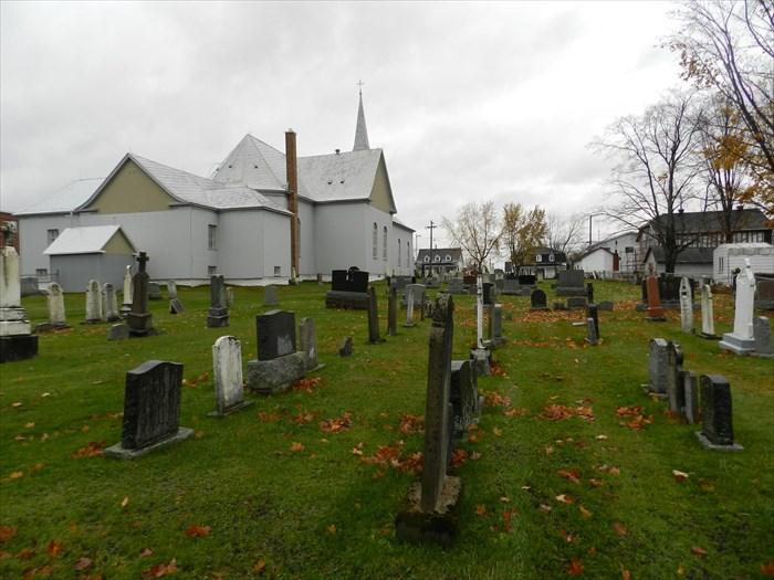 Cimetière de St-Édouard de Frampton au Québec (Crédits photo Waymarking.com)